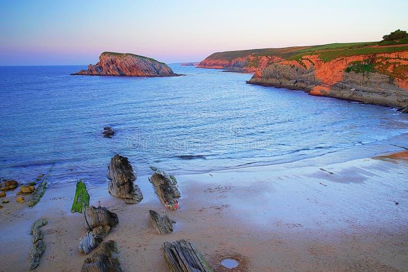 A costa de Cant?bria, Espanha imagem de stock