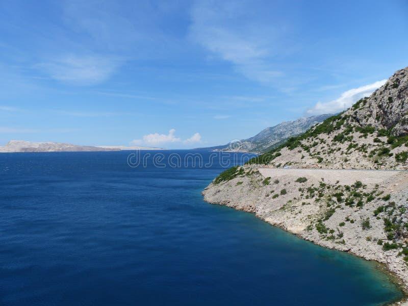 Costa costa de Croacia con el camino foto de archivo libre de regalías