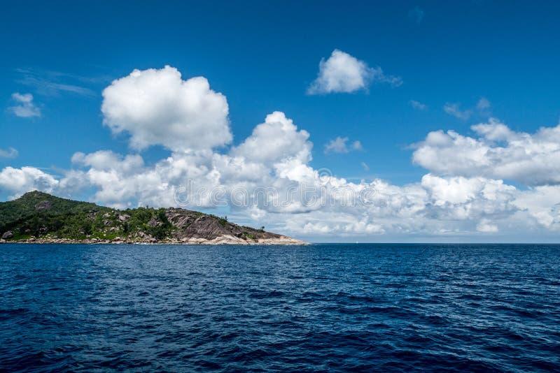 Costa costa de la isla de Praslin, Seychelles imagen de archivo