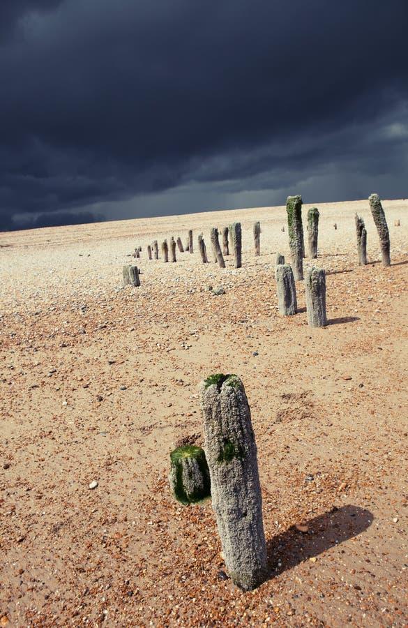 Costa de la tormenta de la playa de la playa imagenes de archivo