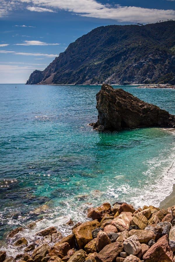 Costa de mar, égua do al de Monterosso, Cinque Terre, Itália imagem de stock