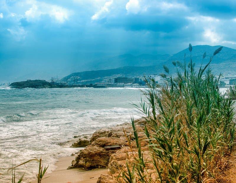 Costa de mar da Creta fotografia de stock royalty free