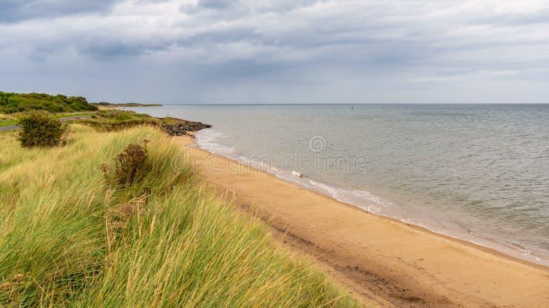 Costa de Mar del Norte en Northumberland, Inglaterra, Reino Unido foto de archivo