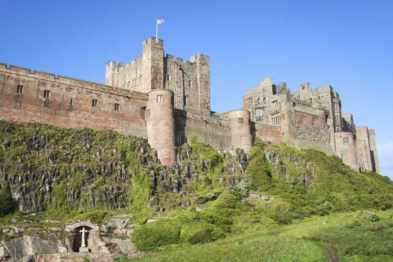 Costa de northumberland do castelo de Bamburgh fotos de stock royalty free