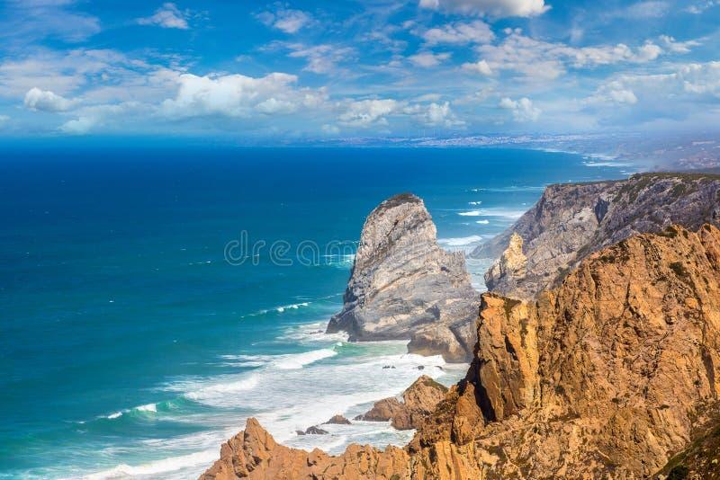 Costa de Oceano Atlântico em Portugal fotos de stock