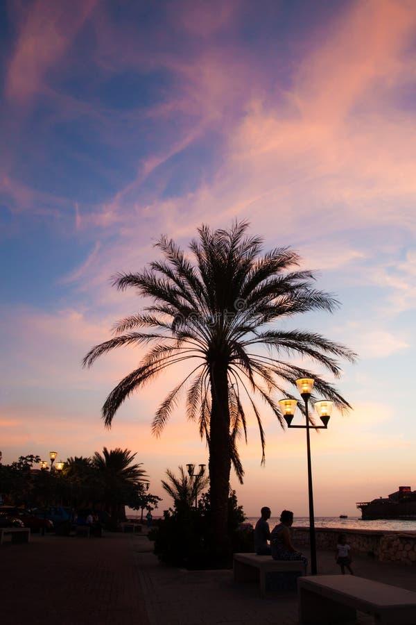 Costa de Punda en la puesta del sol imagen de archivo