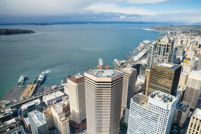 Costa de Seattle y gran rueda imagen de archivo libre de regalías