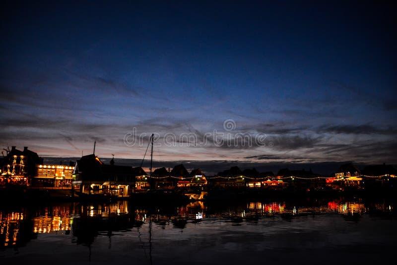 Costa de Volendam en la noche los Países Bajos foto de archivo libre de regalías