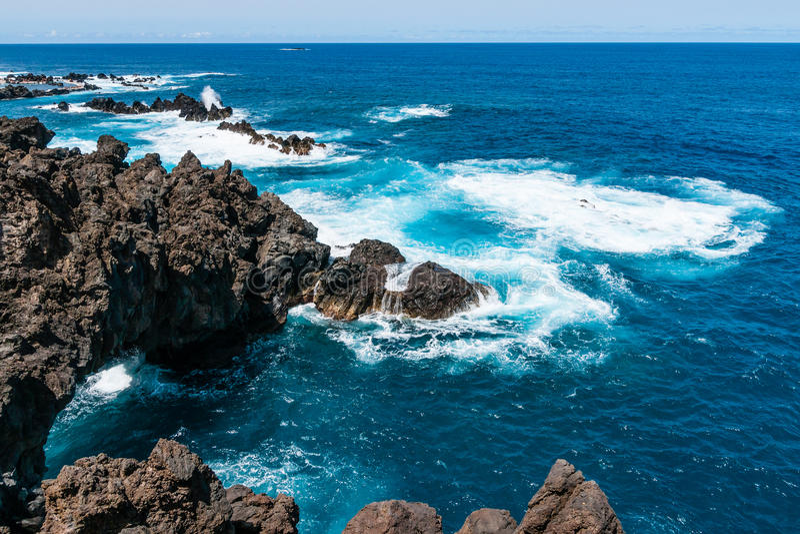 Costa del norte hermosa de Madeira Oporto Moniz foto de archivo libre de regalías