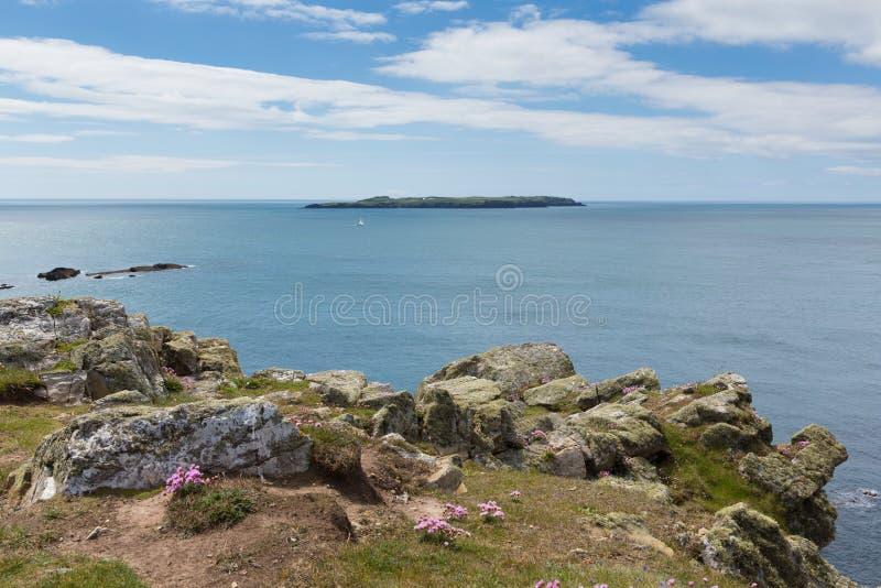 Costa del oeste de País de Gales de la isla de Skokholm cerca de Skomer imagen de archivo