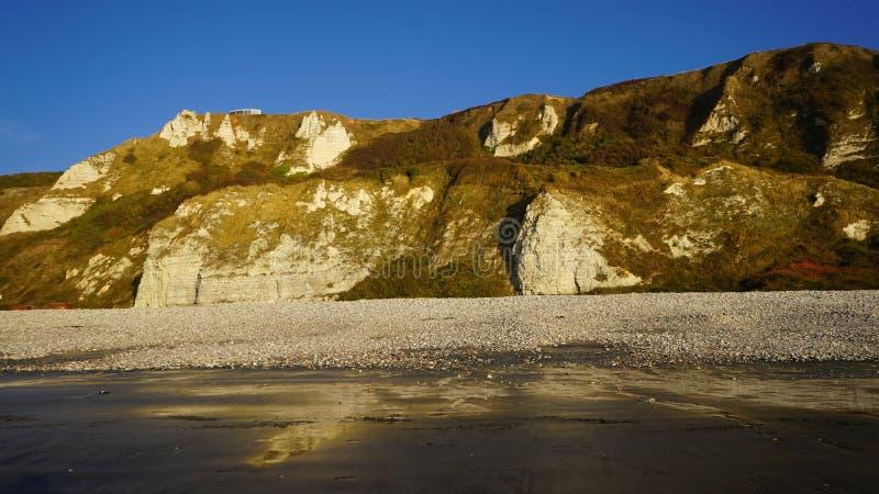 Costa della Normandia fra Etretat e le Havre, Francia immagine stock