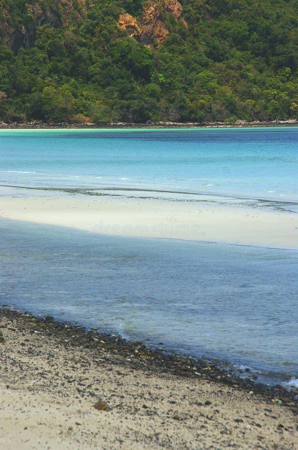 Costa della spiaggia dell'isola della Tailandia fotografia stock