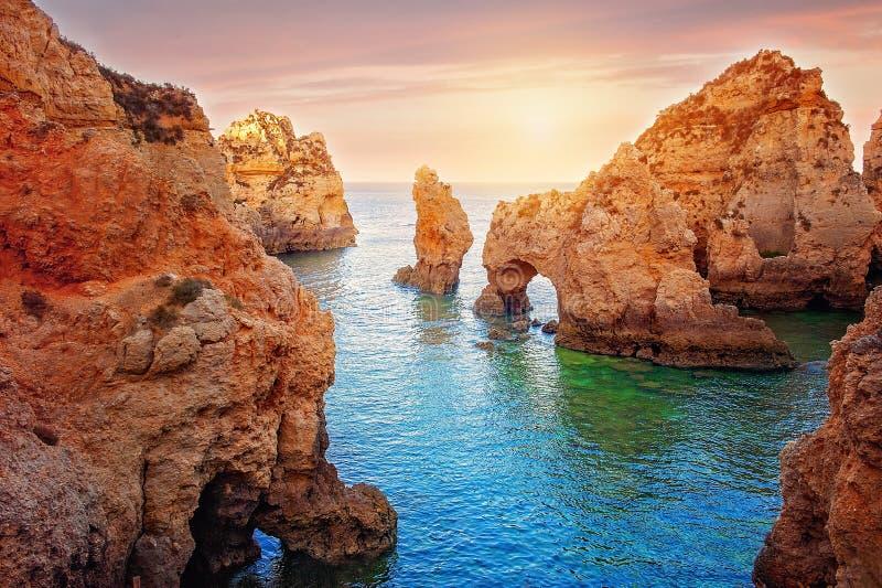 Costa di Algarve a Lagos immagini stock libere da diritti