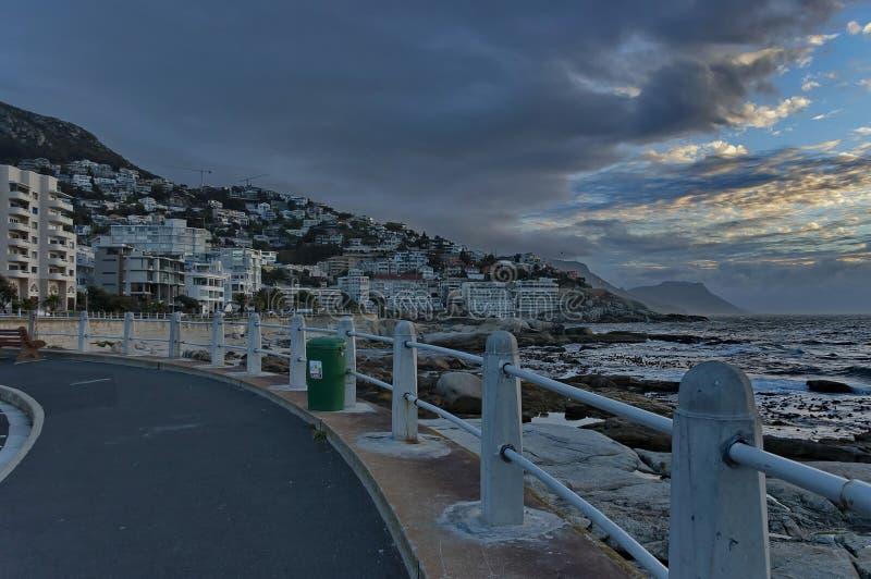 Costa di Cape Town l'Oceano Atlantico dal tramonto fotografie stock libere da diritti