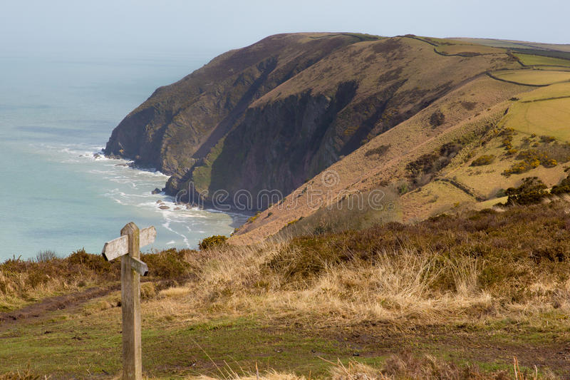Costa di Devon del nord fra Ilfracombe e Lynmouth fotografie stock libere da diritti
