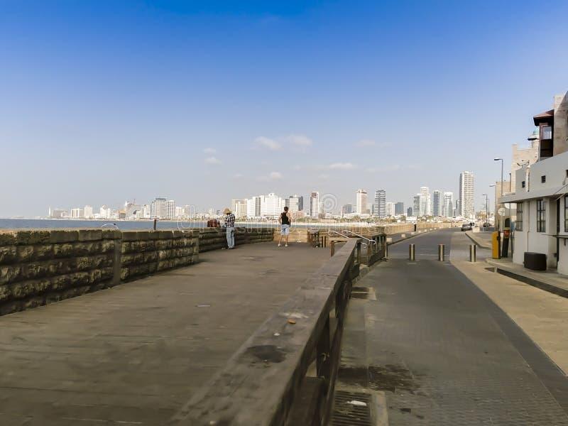 Costa di mare e la vista di Tel Aviv fotografia stock