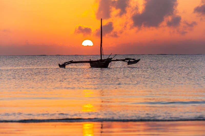 Costa di Mombasa, Kenya, oceano, nuvole, costa immagine stock