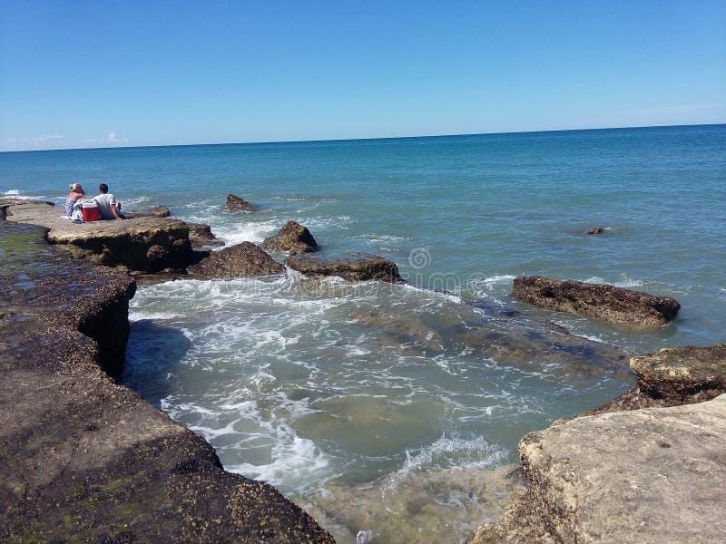 Costa di Patagonia, posto dove c'è una spiaggia molto visitata immagine stock libera da diritti