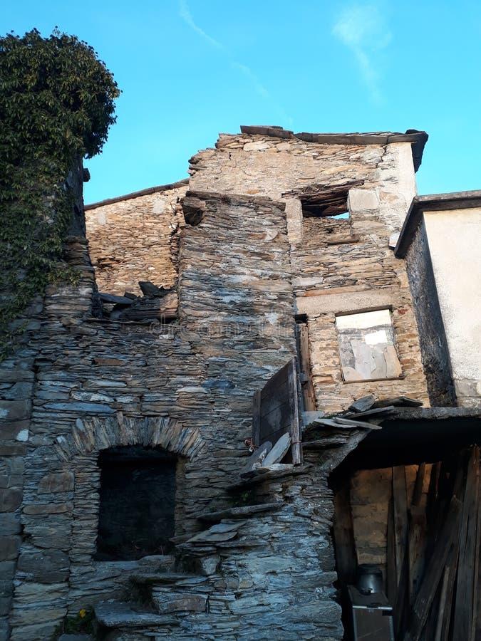 Costa Di Soglio, εγκαταλειμμένο χωριό στοκ εικόνες