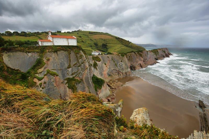 Costa do Flysch em Zumaia, país Basque, Espanha foto de stock