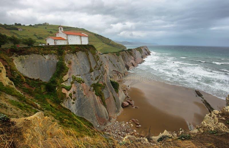 Costa do Flysch em Zumaia, país Basque, Espanha fotografia de stock