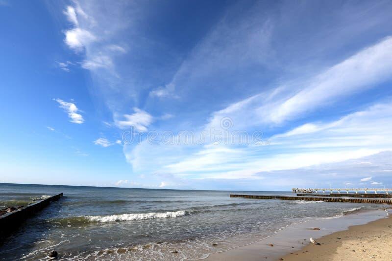 A costa do mar Báltico em Kaliningrad, Rússia imagens de stock