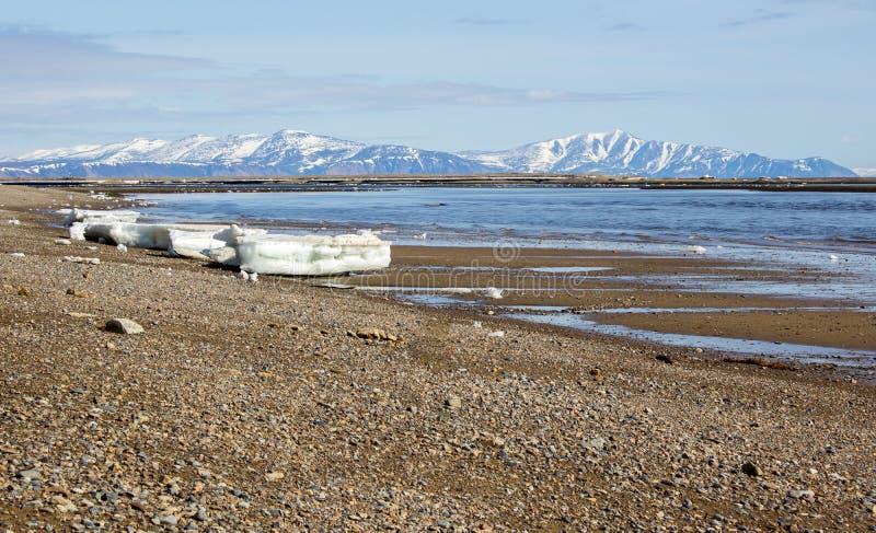 Costa do mar de Okhotsk foto de stock
