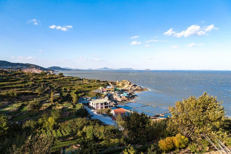 A costa do parque nacional de Laoshan, Qingdao, China foto de stock royalty free
