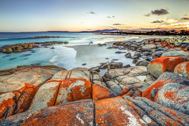 Costa este de Tasmania del paisaje de Drammatic fotos de archivo
