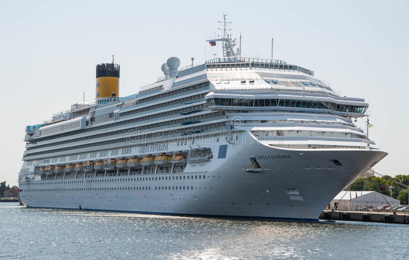 Costa Favolosa-cruiseschip stock foto's
