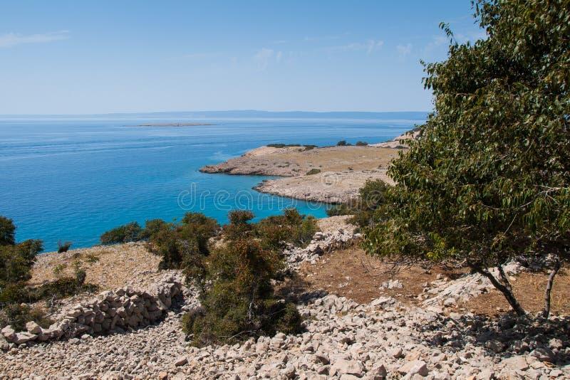 Costa, isla de Krk, mar, playa, Adri?tico fotos de archivo libres de regalías