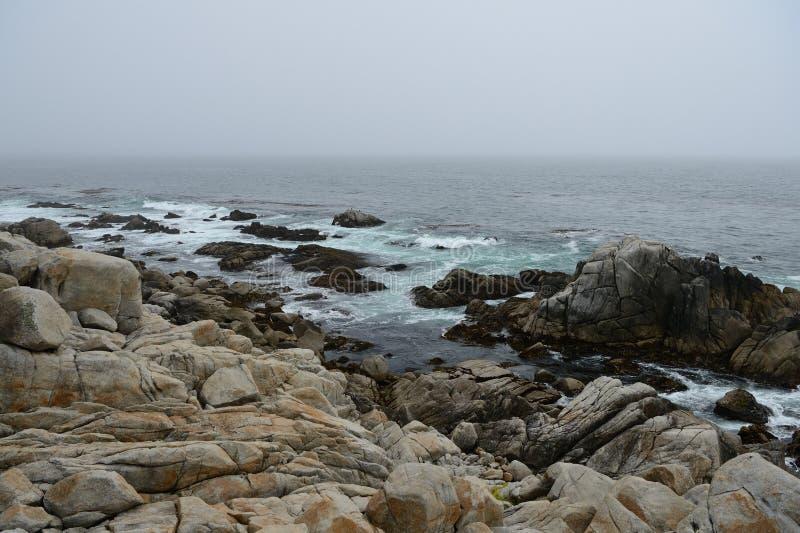 Costa costa a lo largo de la impulsión de 17 millas fotografía de archivo
