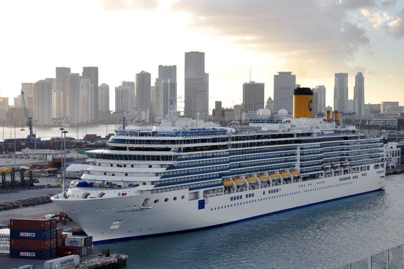 Costa Luminosa em Miami imagem de stock