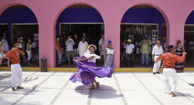 Costa Maya Mexico - Traditionele Dansers stock foto