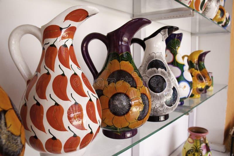 Costa-Maya Mexiko - helle bunte Krüge! stockfoto