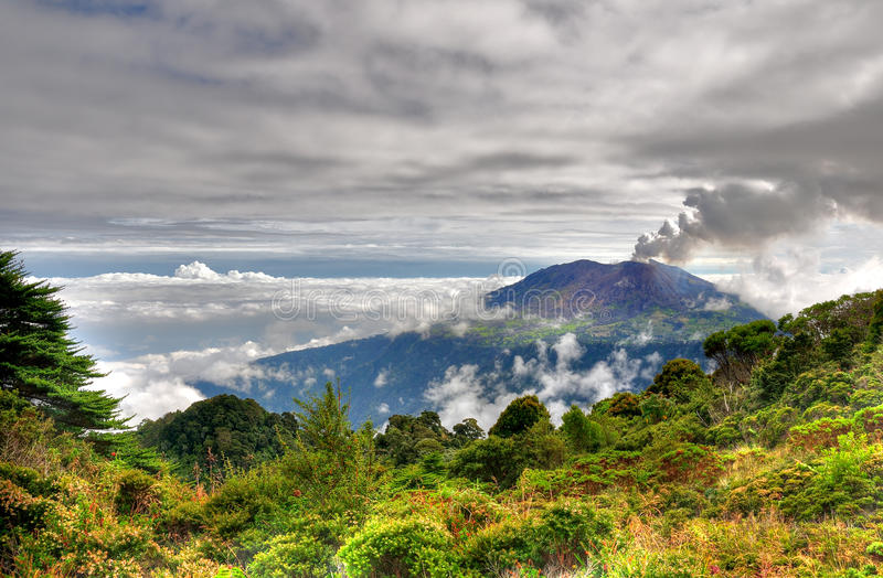 Costa Rica turrialbavulkan fotografering för bildbyråer