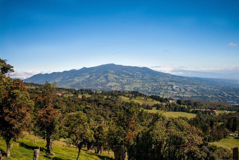 Costa Rican Central Valley och bygd royaltyfri foto