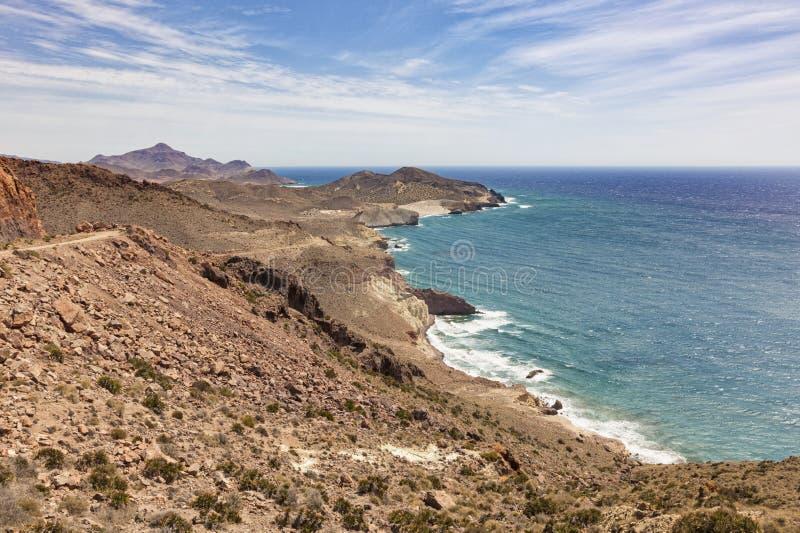 Costa rocciosa di Cabo de Gata, Spagna immagini stock