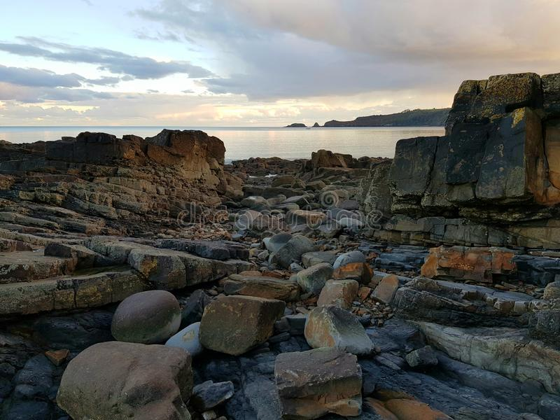 Costa rocciosa, Pembrokeshire fotografie stock libere da diritti