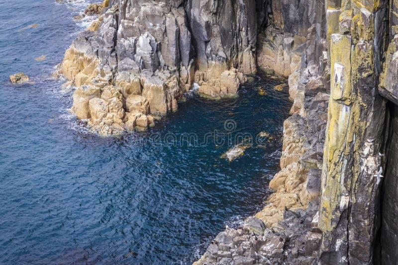 Costa rochosa do mar foto de stock