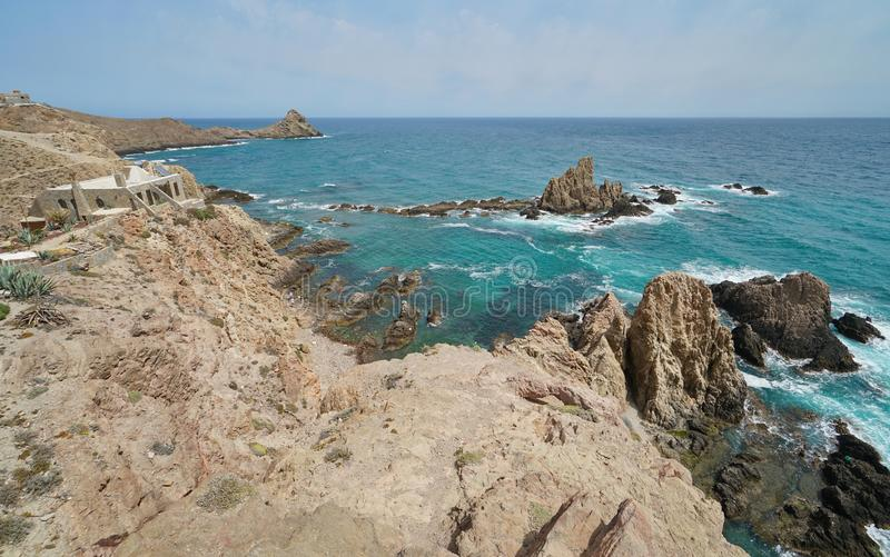 Costa rochosa no cabo de Gata Almeria Spain imagens de stock