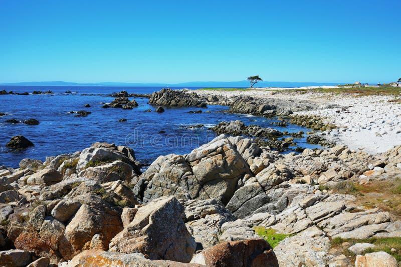 Costa costa rocosa de la costa oeste imagenes de archivo