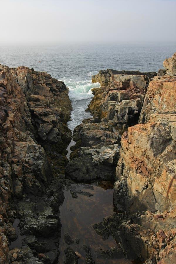 A costa ?spera do parque nacional do Acadia, Maine imagens de stock royalty free