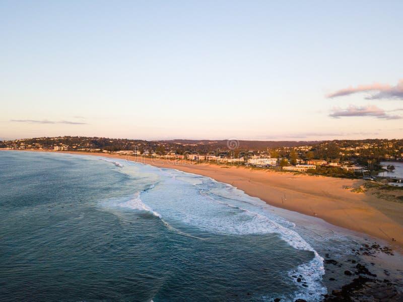 Costa costa vacía de la playa foto de archivo