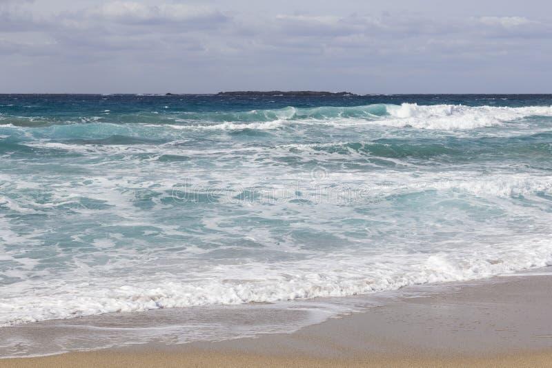 Costa costa y playa en Falasarna en Creta imagen de archivo libre de regalías