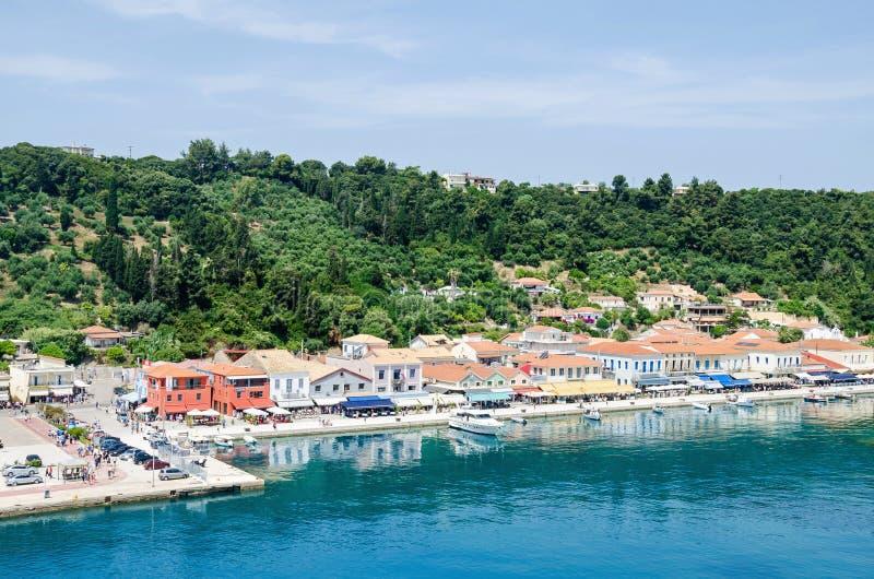 Costa y 'promenade' de Katakolo en Grecia foto de archivo libre de regalías