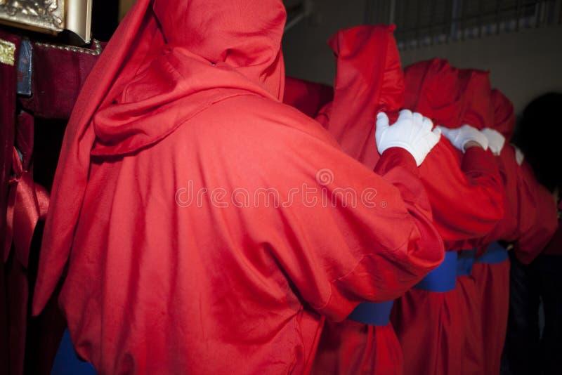 Costaleros carriying tempo podczas Świętego tygodnia korowodu, zdrój zdjęcia royalty free