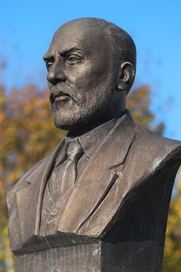 COSTANTINOPOLI - IL 23 NOVEMBRE: Un busto o una statua bronzeo di Mehmet Akif Ersoy fotografia stock