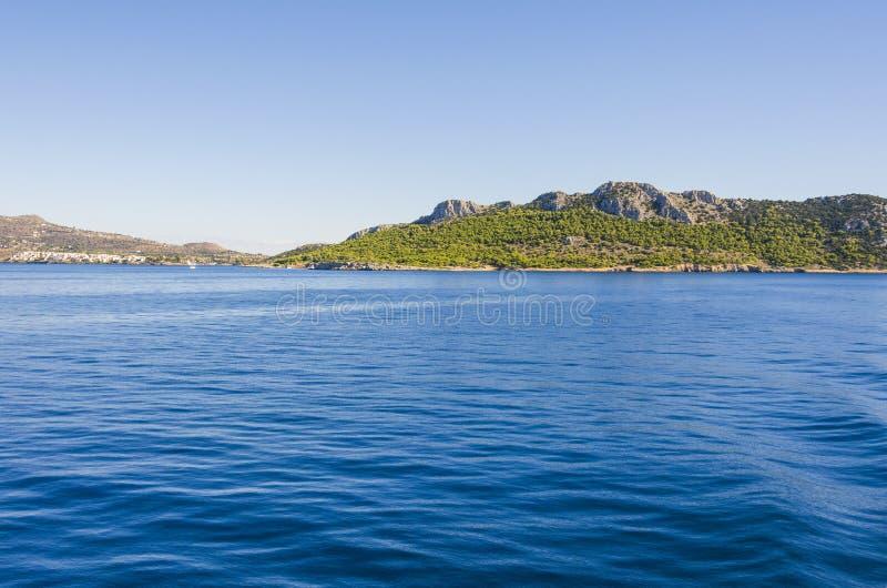 Costas de la isla de Egina fotografía de archivo libre de regalías