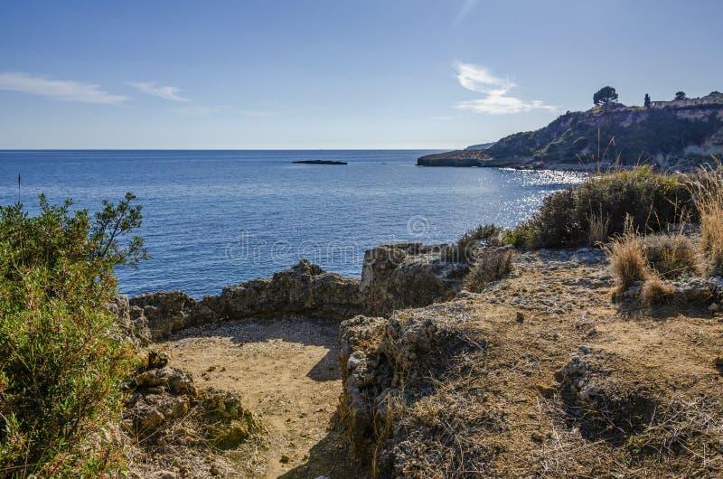 Costas del mar jónico en la isla de Kefalonia Grecia fotografía de archivo libre de regalías